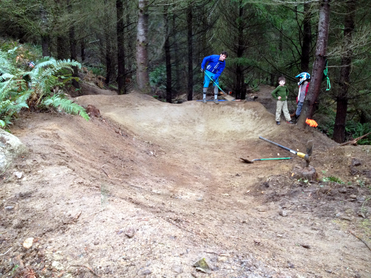 Terry Lewis working his dirt buffing magic on Alexis Step-Up landing. Angus and Sonni Campbell supervising.